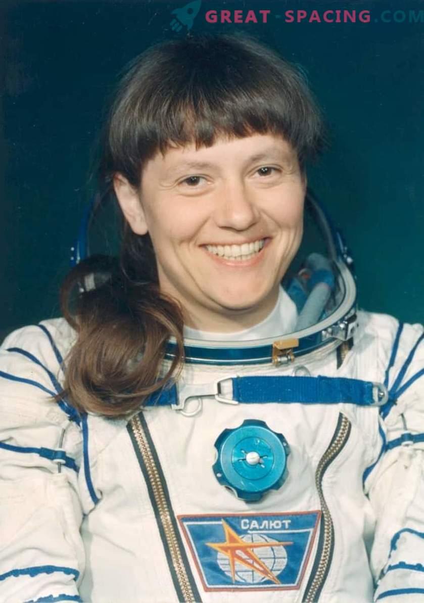 We herinneren ons de Sovjet-records over Kosmonautics Day