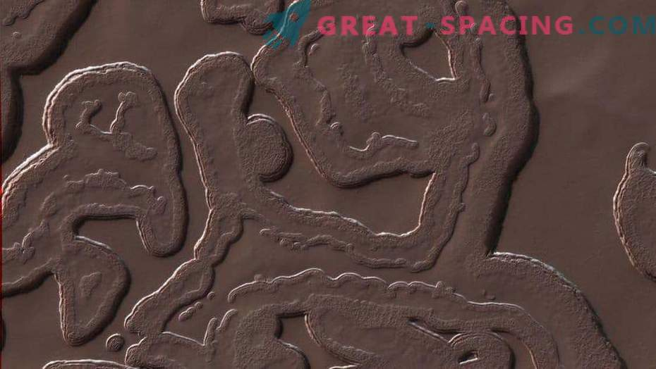 7 imelikku objekti Marsil!