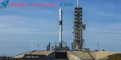 Racheta SpaceX actualizată lansată cu un satelit
