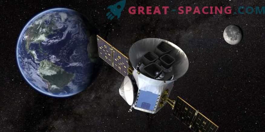 Exoplaneta con rotación orbital de 11 horas